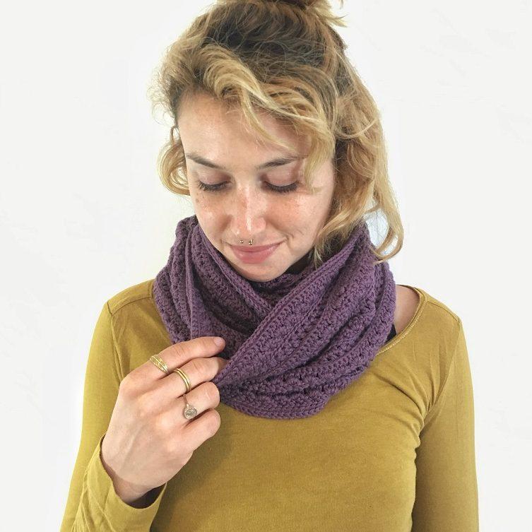 crochet rambling roses infinity scarf pattern